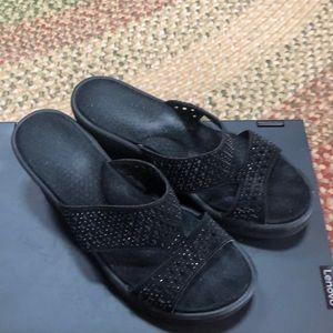 "Wedge sandals 2.5"""